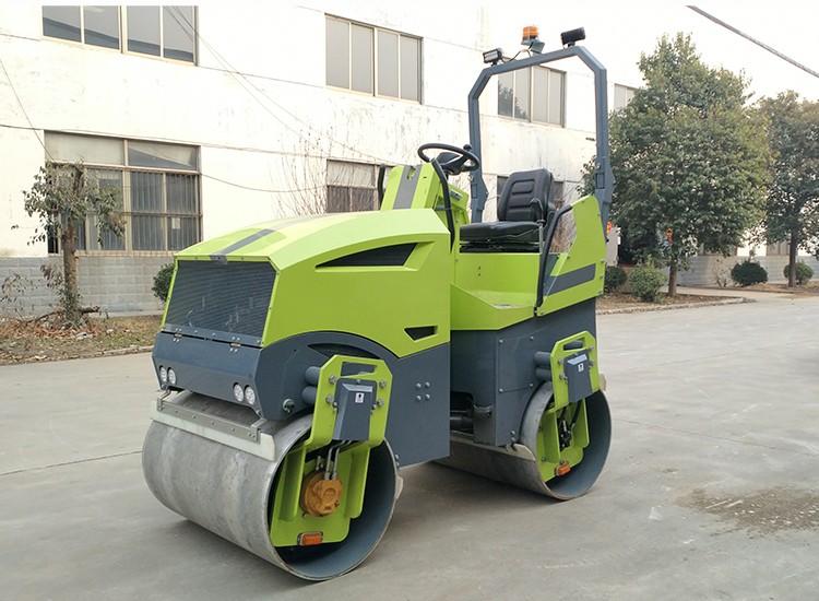 GYZ3000A型3吨座驾压路机